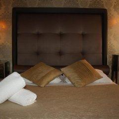 Отель Home In Rome Trevi 2* Номер Делюкс с различными типами кроватей фото 4