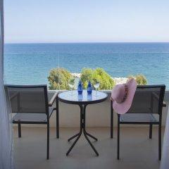 Отель The Royal Apollonia 5* Улучшенный номер с различными типами кроватей фото 2