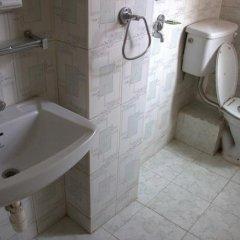 Отель Lucky Star Непал, Катманду - отзывы, цены и фото номеров - забронировать отель Lucky Star онлайн ванная