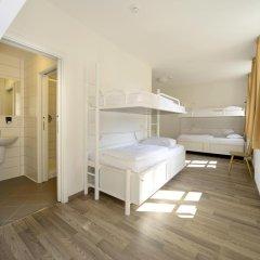 Отель Equity Point Prague Кровать в общем номере с двухъярусной кроватью фото 2