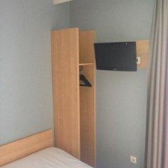 Отель Hôtel DAnjou удобства в номере