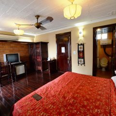 Queen Travel Boutique Hotel - Hang Bac 3* Номер Делюкс фото 12