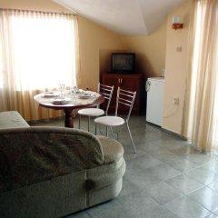 Отель Guest House Cherno More Поморие в номере фото 2