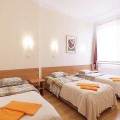 Отель Knights Court Guest House 3* Номер с различными типами кроватей (общая ванная комната) фото 2