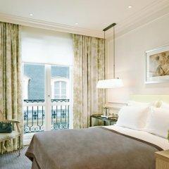 Отель Grand Hôtel Du Palais Royal 5* Улучшенный номер с различными типами кроватей
