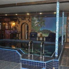 Hotel Gold Shark бассейн