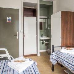 Отель LSE Carr-Saunders Hall 2* Стандартный номер с 2 отдельными кроватями (общая ванная комната) фото 3