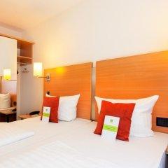 Favored Hotel Plaza 3* Стандартный номер с двуспальной кроватью фото 5