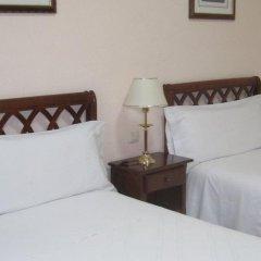 Отель Hostal Gonzalo Мадрид комната для гостей фото 3