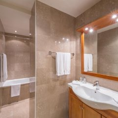 Hotel Century 4* Улучшенный номер с различными типами кроватей фото 3