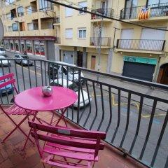 Отель J&V Avda Montserrat Испания, Курорт Росес - отзывы, цены и фото номеров - забронировать отель J&V Avda Montserrat онлайн балкон