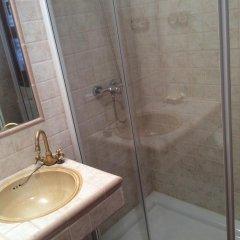 Отель Fonda Carrera ванная
