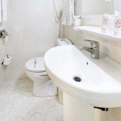Отель Hostal Ramos Барселона ванная фото 2