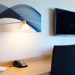 Отель Hilton Helsinki Airport 4* Стандартный номер с двуспальной кроватью фото 4