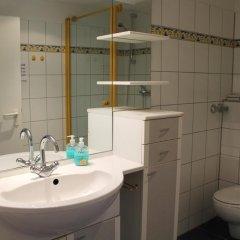 Отель City Lounge Hotel Германия, Дюссельдорф - отзывы, цены и фото номеров - забронировать отель City Lounge Hotel онлайн ванная