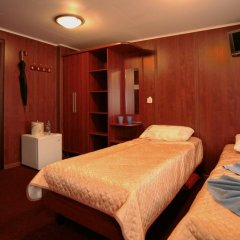 Hotel-ship Petr Pervyi комната для гостей