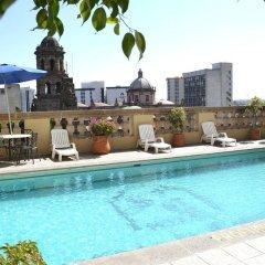 Отель Santiago De Compostela Hotel Мексика, Гвадалахара - отзывы, цены и фото номеров - забронировать отель Santiago De Compostela Hotel онлайн бассейн фото 2