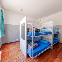 Отель Bunk Backpackers Кровать в общем номере с двухъярусной кроватью фото 13