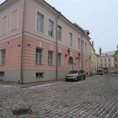 Отель Romeo Family Apartment - Studio Lai Эстония, Таллин - отзывы, цены и фото номеров - забронировать отель Romeo Family Apartment - Studio Lai онлайн парковка
