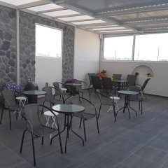 Отель Azalea Studios & Apartments Греция, Остров Санторини - отзывы, цены и фото номеров - забронировать отель Azalea Studios & Apartments онлайн питание фото 2