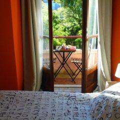 Отель Alfama 3B - Balby's Bed&Breakfast Стандартный номер с 2 отдельными кроватями (общая ванная комната) фото 6