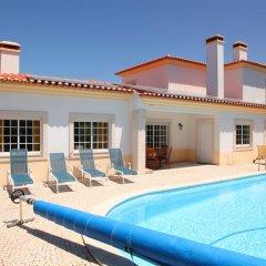 Отель Villa Casa Dina бассейн