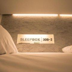 Отель Sleepbox Sukhumvit 22 Кровать в общем номере фото 2