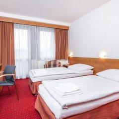 Globus Hotel 3* Стандартный номер с 2 отдельными кроватями фото 2