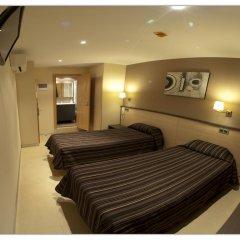 Отель Hostal Flores 2* Стандартный номер