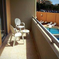 Отель Mavina Hotel and Apartments Мальта, Каура - 5 отзывов об отеле, цены и фото номеров - забронировать отель Mavina Hotel and Apartments онлайн балкон