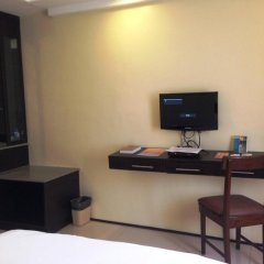 Отель M Citi Suites 3* Стандартный номер с двуспальной кроватью