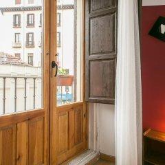 Отель Hostal La Casa de La Plaza Стандартный номер с различными типами кроватей фото 10
