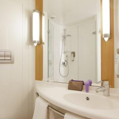 Отель ibis London Stratford 2* Стандартный номер с различными типами кроватей фото 4