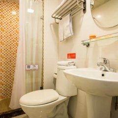 Отель Home Inn Hangzhou Hefang Street Railway Station Metro Station Китай, Ханчжоу - отзывы, цены и фото номеров - забронировать отель Home Inn Hangzhou Hefang Street Railway Station Metro Station онлайн ванная фото 2