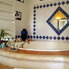 Отель Le Mas de la Treille Bed & Breakfast 3* Номер Делюкс с различными типами кроватей фото 4