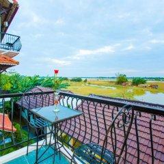Отель Riverside Impression Homestay Villa 3* Номер Делюкс с различными типами кроватей фото 7