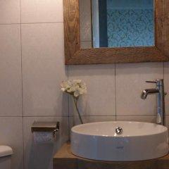 Отель Artists Residence in Tbilisi Грузия, Тбилиси - отзывы, цены и фото номеров - забронировать отель Artists Residence in Tbilisi онлайн ванная фото 2