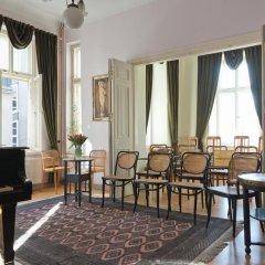Отель Chopin Boutique B&B Польша, Варшава - 1 отзыв об отеле, цены и фото номеров - забронировать отель Chopin Boutique B&B онлайн интерьер отеля