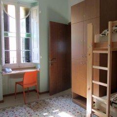 Corner Hostel Кровать в общем номере с двухъярусной кроватью фото 2