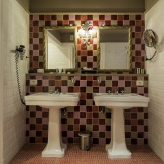 Отель Boutique Hotel Die Swaene Бельгия, Брюгге - 1 отзыв об отеле, цены и фото номеров - забронировать отель Boutique Hotel Die Swaene онлайн ванная фото 2