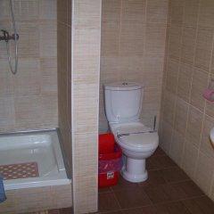 Гостиница Smerichka Украина, Хуст - отзывы, цены и фото номеров - забронировать гостиницу Smerichka онлайн ванная