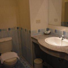 Отель Seven Oak Inn 2* Стандартный семейный номер с двуспальной кроватью фото 16