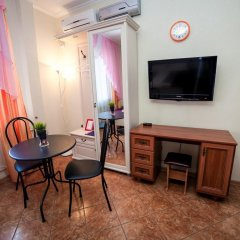 Гостиница Ласточкино гнездо Стандартный семейный номер с двуспальной кроватью фото 4