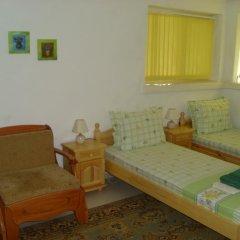 Отель Plamena Guest Rooms Болгария, Карджали - отзывы, цены и фото номеров - забронировать отель Plamena Guest Rooms онлайн комната для гостей