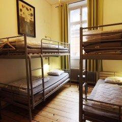 Castanea Old Town Hostel Кровать в женском общем номере с двухъярусной кроватью фото 3