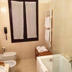 Отель Villa Soranzo Conestabile Италия, Скорце - отзывы, цены и фото номеров - забронировать отель Villa Soranzo Conestabile онлайн ванная фото 2