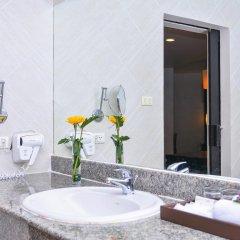 Отель Deevana Patong Resort & Spa 4* Номер Делюкс с двуспальной кроватью фото 10