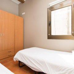 Апартаменты Ainb Raval Hospital Apartments Барселона комната для гостей фото 4