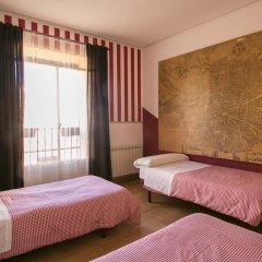 Отель Hostal La Casa de La Plaza Стандартный номер с различными типами кроватей фото 5