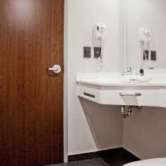Отель City Express La Raza 3* Стандартный номер фото 4
